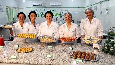 As nutricionais do Instituto de Nutrição da Uerj que vão ministrar os cursos do Projeto EcoBuffetFoto: Luiz Morier