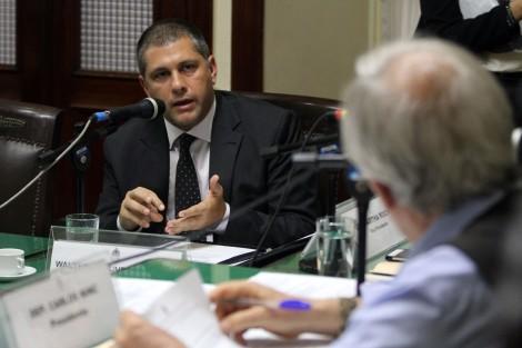 Coordenador do Centro de Apoio Operacional das Promotorias de Justiça Criminais, Walter de Oliveira Santos, durante a CPI das Armas -Rafael Wallace